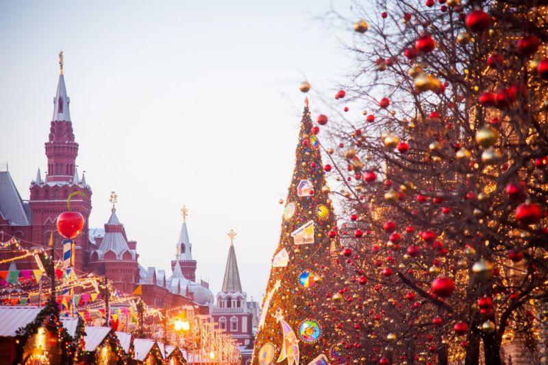 Новогодние праздники парализуют центр Москвы