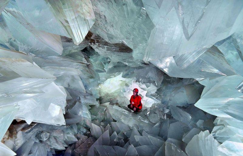 В испанском городе Пульпе туристы смогут посетить сияющую пещеру