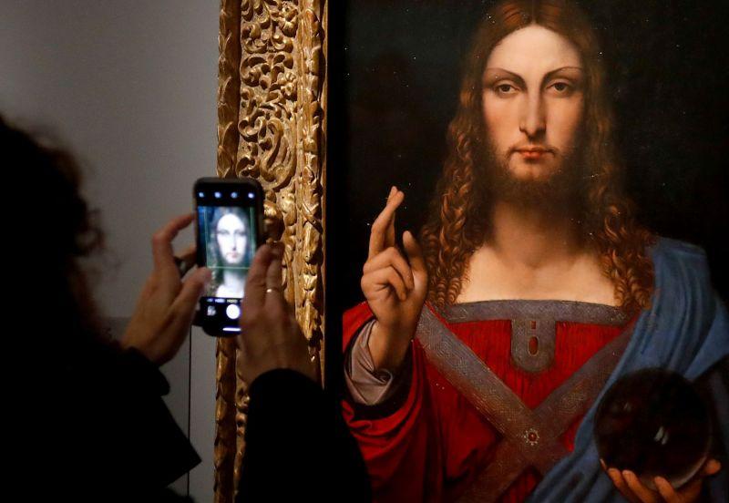Лувр откроют для посещения ночью