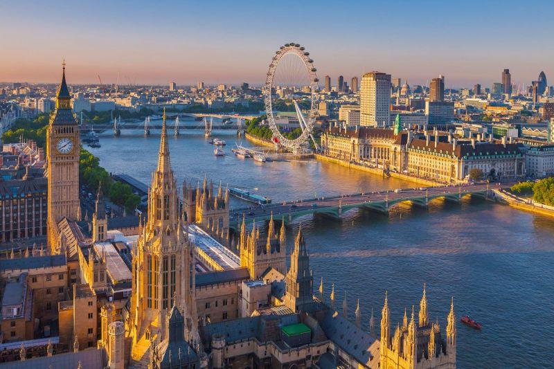 Россия и Великобритания ведут переговоры об упрощении визового режима
