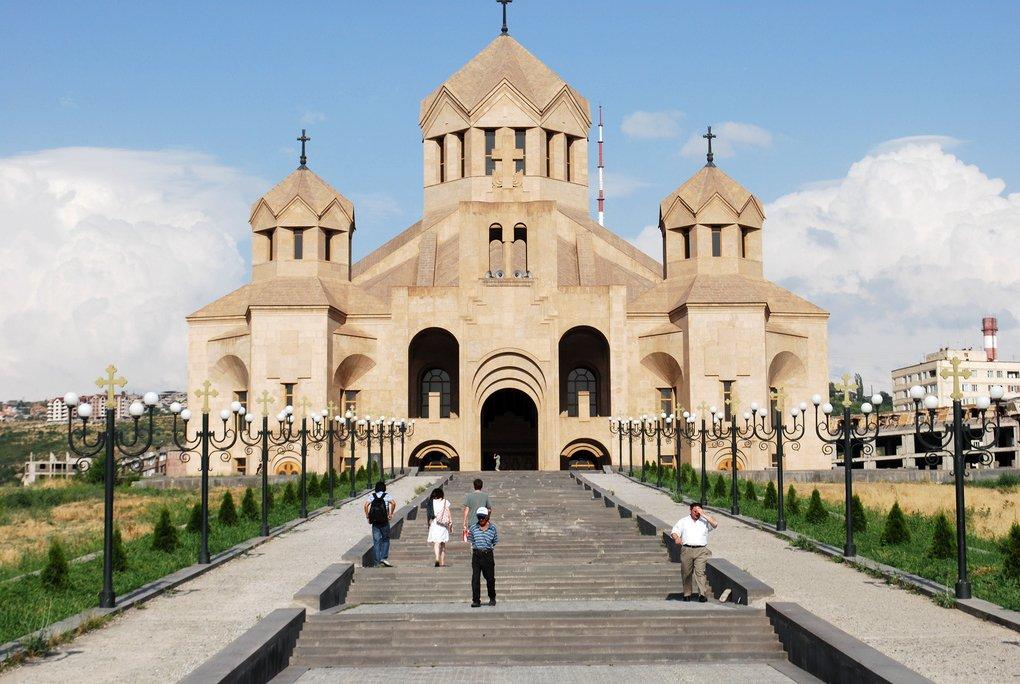 основных причин, кафедральный собор в ереване Хорошая игра