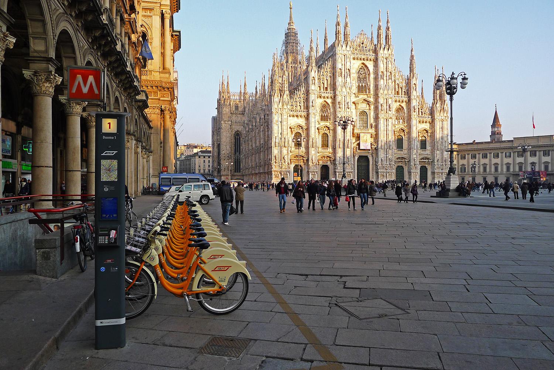 Foto discount milano via torino 17
