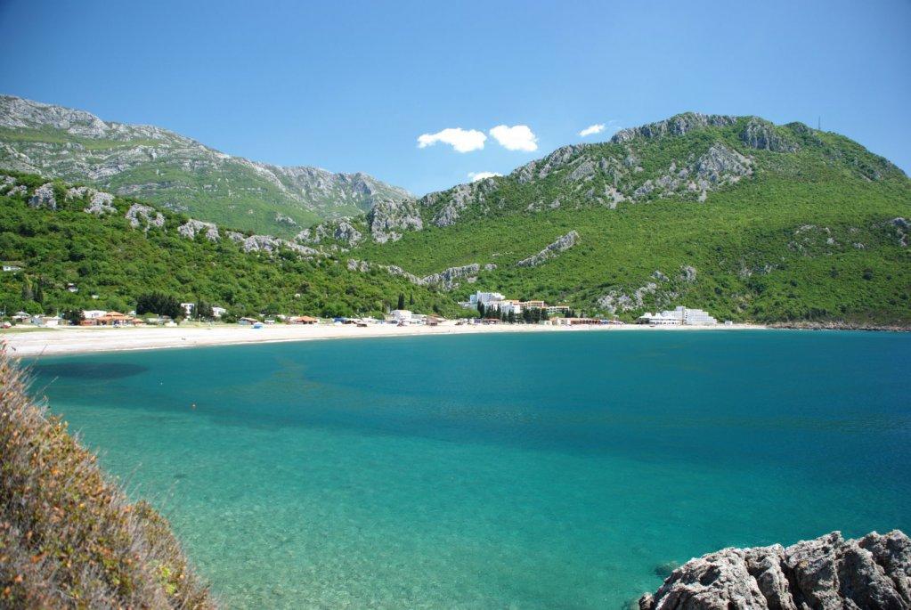 один поселок чань черногория фото куклы синие